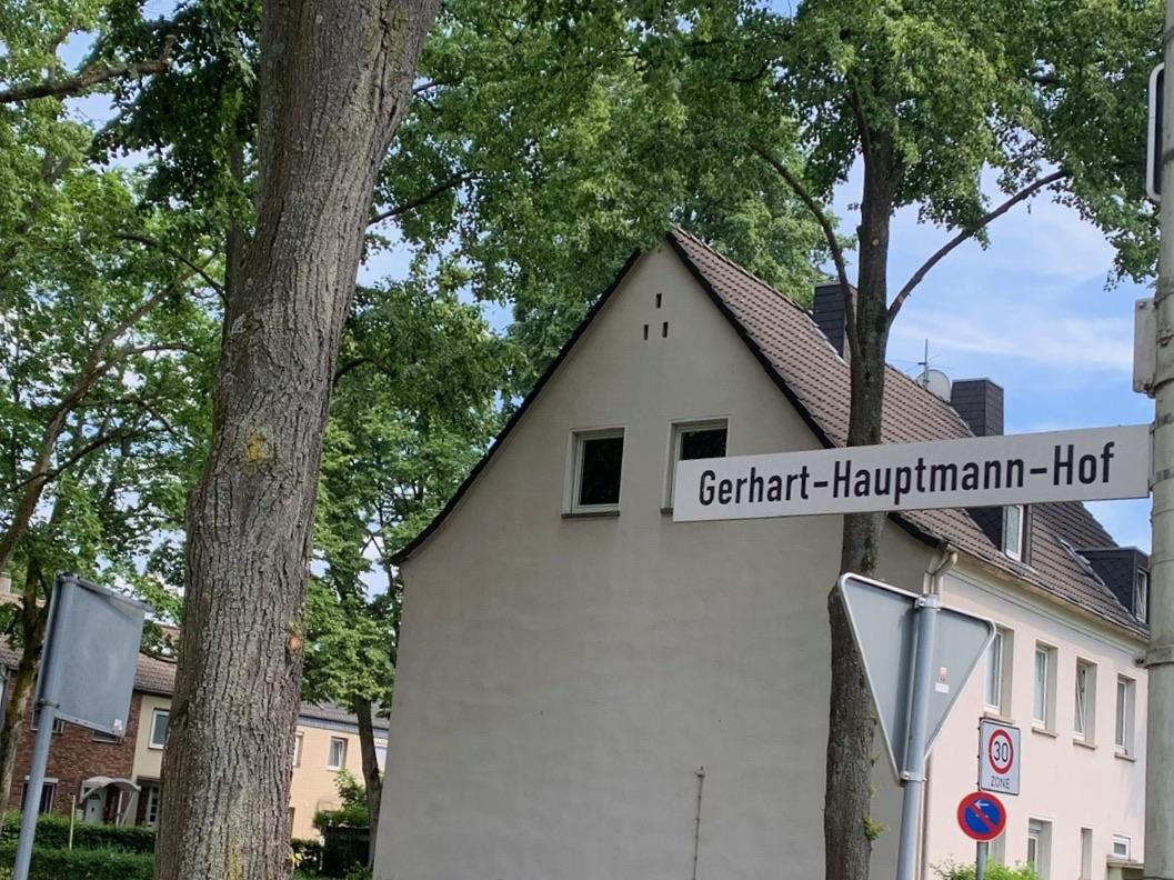 Gerhart-Hauptmann-Hof: Bürgerinteressen zwischen Bauamt und Bauträger – Entscheidung geschoben
